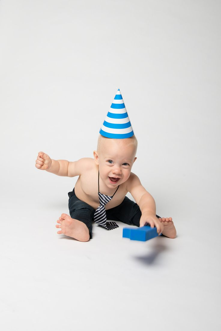 1st Birthday Cake Smash | Raquel Taylor Photography