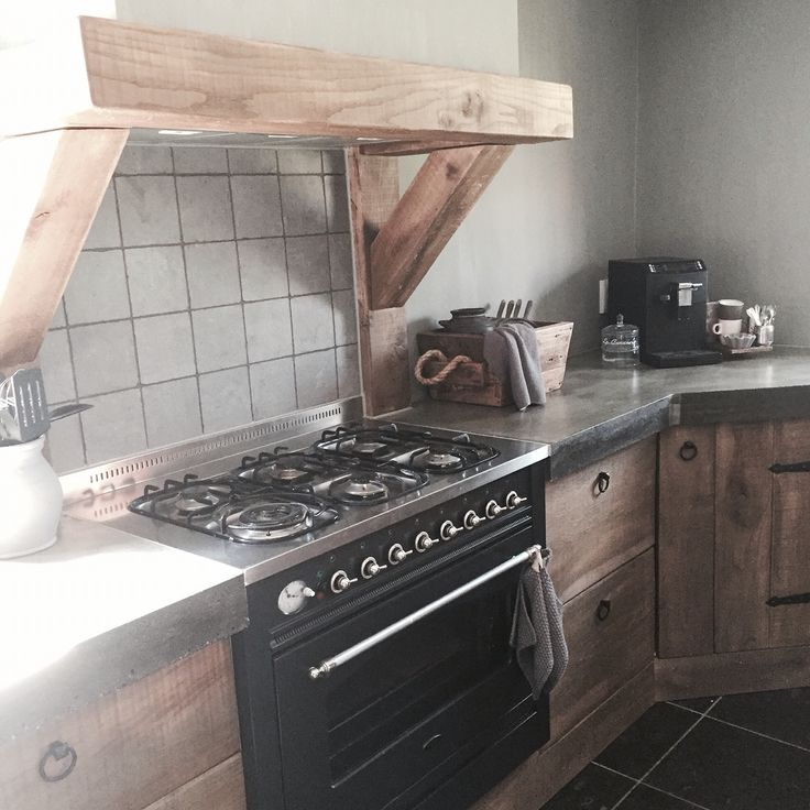 Keuken M: houten balken mooi, mits bij gas?