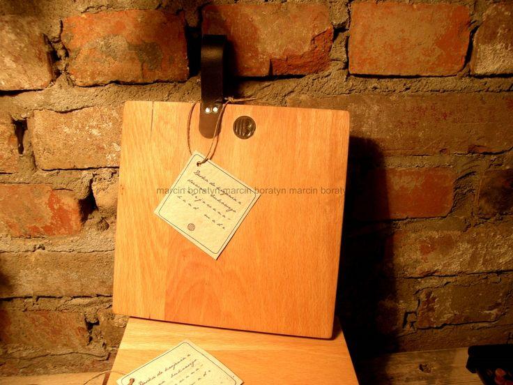 Deska do krojenia // projekt realizacja i foto Marcin Boratyn // drewno bukowe i naturalna skóra i metalowe wkręty //