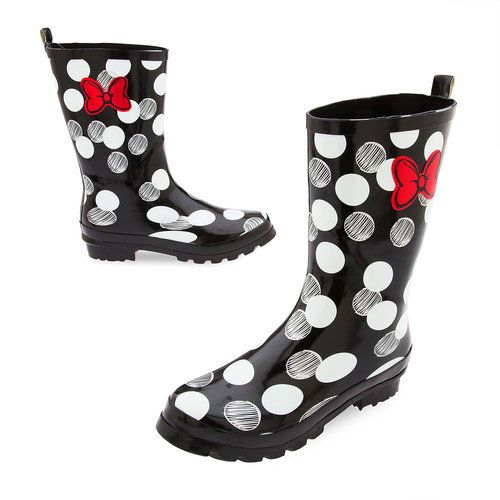 Don't let a rainy day spoil your Minnie Mouse style. Make a sweetheart statement in these fun, polka dot rain boots.