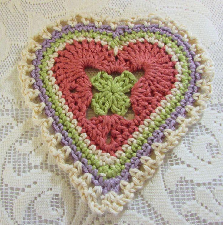 Crochet y Otras Cosas: Patrón Granny Sweet Heart ❥Teresa Restegui http://www.pinterest.com/teretegui/❥