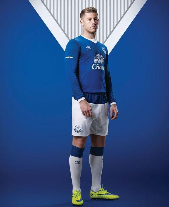 Everton Umbro Kit 15 16