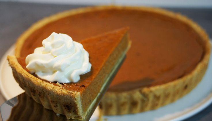 La recette de la pumpkin pie, ou tarte à la citrouille et aux épices. Une tarte très onctueuse populaire aux Etats Unis pendant l'automne.