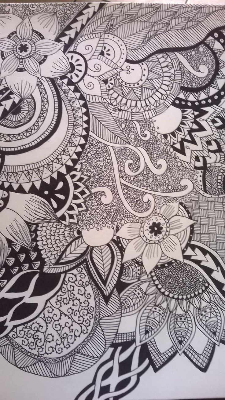 Drawing another mandala design i take this picture  on my instagram