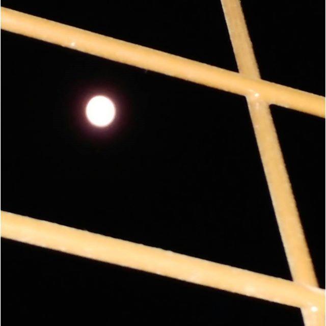 Supermoon, 2016 #budapest #hungary #moon #moonlight #supermoon #supermoon🌕 #ilovehungary #ilovebudapest #night #budapestatnight #ig_hungary #ig_magyarorszag #ig_budapest #ig_artistry #sky #blacknight #instaphoto #photogram #hungarianartist #hungarianart #artlover #constructivism #abstract #hardedge #artphoto #couleur