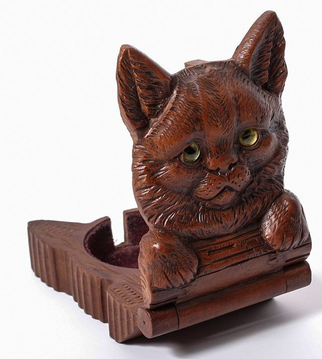 Antique hand carved cat pocket watch holder, late 19th century