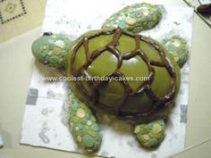 Homemade Sea Turtle Cake Idea: This Sea Turtle Cake Idea was a 'Welcome Home/Birthday' cake for my sister while she was away for 5 weeks in Australia and Fiji. Through an e-mail she