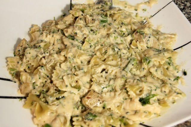 Cheesy Chicken & Broccoli Pasta