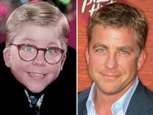 i was quite unaware that little ralphie turned into an attractive adult... lookin good Peter Billingsly