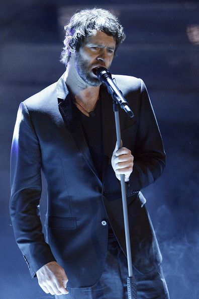 Howard Donald of Take That performing at the Sanremo Song Festival. Held in late February, this famed Italian event is known to have been the inspiration for the Eurovision Song Contest. Liguria: the Bradt Guide www.bradtguides.com