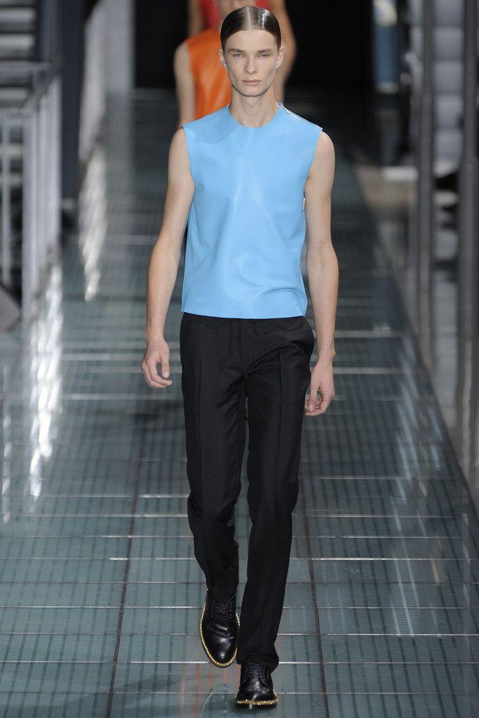 Raf Simons Spring 2012 Menswear Fashion Show