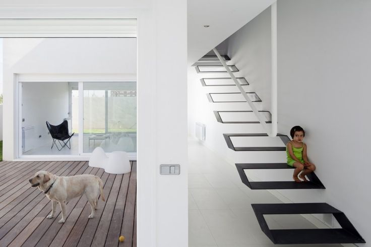 Funky stairs - Casa Syntes in Pinto by dosmasunoarquitectos