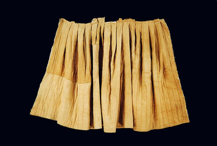 Padded silk skirt, Sosaengmyeongjusomchima. Important Folklore Cultural Heritage 217-10. From the tomb of Gim Cheom of the Andong Kim clan, and his family. Late 16th/early 17th century.