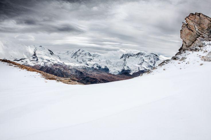 Swiss Alps photo by René Reichelt (@rene_reichelt) on Unsplash
