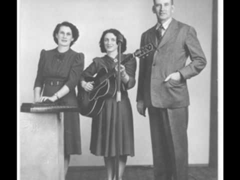 The Carter Family was a traditional American folk music group between recorded 1927 -1956. - Can the circle be unbroken - The Carter Family