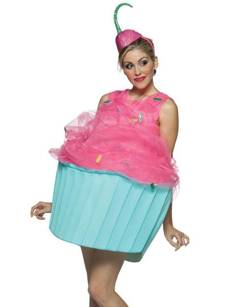Halloween-kostuum, wat ik me afvraag: kan die arme meid wel zitten? ;)