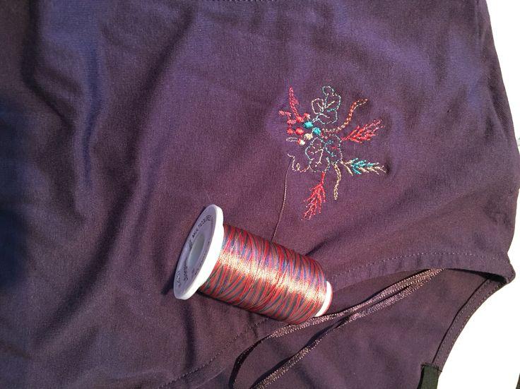 Thread DelighT från ABC-Machine-Embroidery.com Tråkig tunika blev så fin