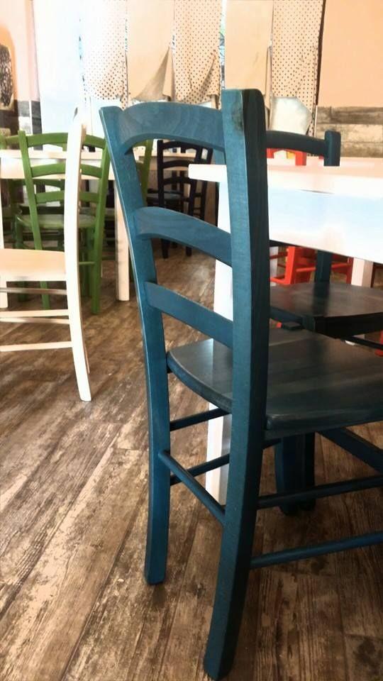 """Arredo Ristoranti Pizzerie MAIERON SNC www.mobilificiomaieron.it  - https://www.facebook.com/pages/Arredamenti-Pub-Pizzerie-Ristoranti-Maieron/263620513820232 - 0433775330. Allestimento Arredo Ristorante Pizzeria """"Faineria da Nino"""" ad Alghero. Sedie in legno massello colorate miste con seduta in legno cod 3011/L in  + Tavoli 80x80 in legno massello colorati misti  cod 806/80. Produzione Mobilificio maieron arredamento pub, bar, ristoranti e pizzerie"""