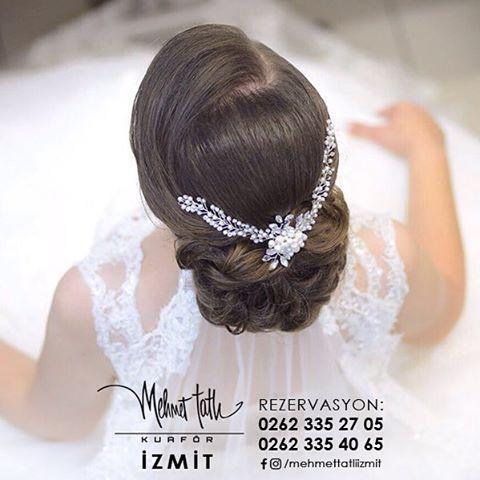 Dünyanın en seçkin saç bakım markalarını, İzmit'in tek prestijli markası Mehmet Tatlı' da bulabilirsiniz Bilgi ve Rezervasyon 0262 335 27 05 - 0262 335 40 65 #hair #beauty #saç #makyaj #mehmettatlıizmit #mehmettatlı #gelinsaçı #cool #blonde #sarışın #sarısaç #saçbakım #kerastase #haircare #weddinghair http://turkrazzi.com/ipost/1516153148375718068/?code=BUKdUFqBli0