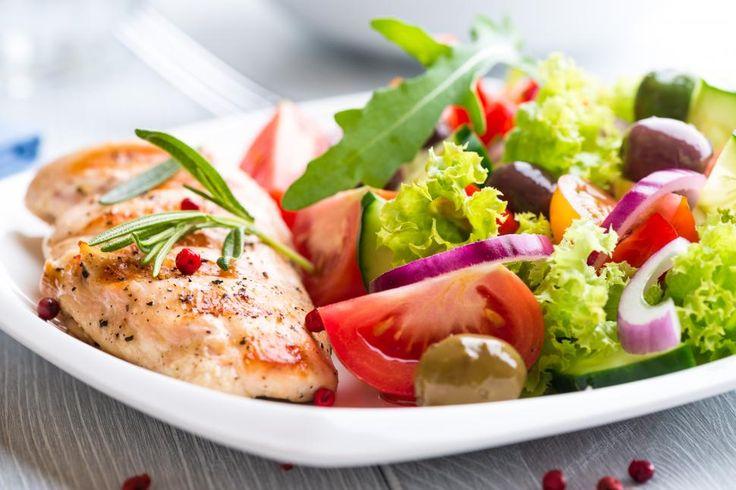 Stekt kyllingfilet - hvit fløtesaus - ris - grønnsaker