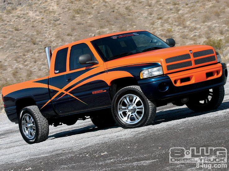 2001 Dodge Ram 2500 - Cummins Diesel Engine - 8-Lug Magazine