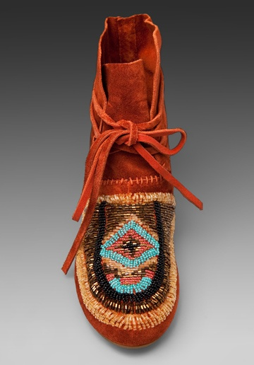 bead: Clothes Jewelry Shoes, Style, Awesome Shoes, Brown, House, Madison Moccasins, Fashion Police, Beaded Moccasins