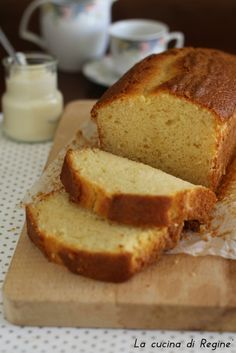 Plumcake doppio yogurt morissimo e umido, ricetta collaudata e semplice per un risultato perfetto. Adatto alla colazione e alla merenda