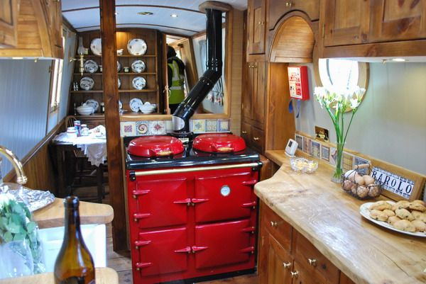 Google Image Result for http://www.waterwaysworld.com/crick/Barolo_interior_0126_600.jpg