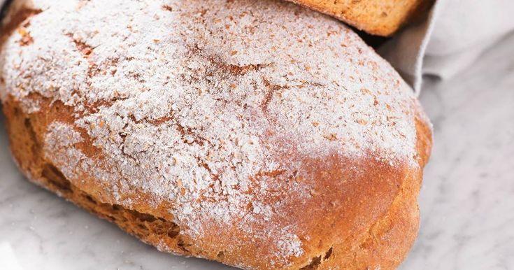 Ta en genväg till härliga, hållbara surdegsbröd med detta enkla recept. Gott som det är eller med ett gott pålägg!