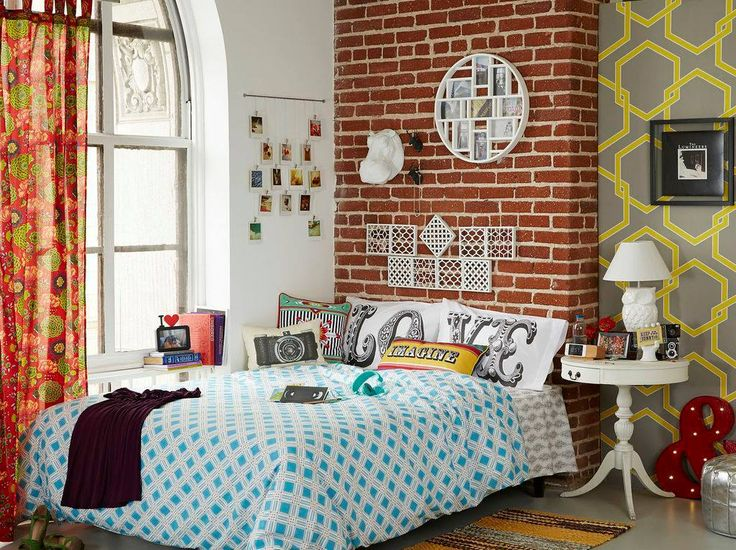 Decor tips from story by modcloth
