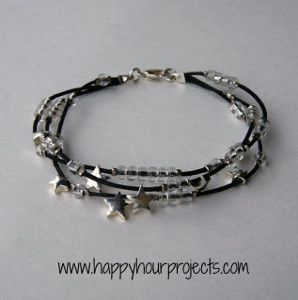 Star Beaded Bracelet By: Adrianne from Happy Hour Projects via allfreejewelrymaking.com