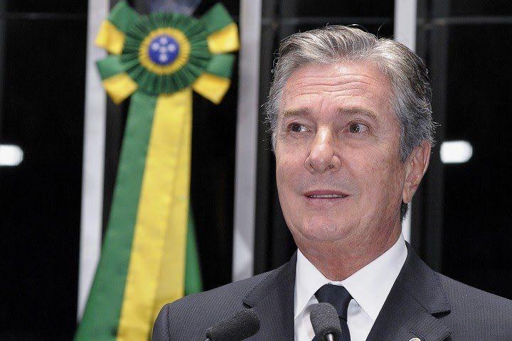 Fernando Collor cobra regulamentação da lei que trata das dívidas de pro...