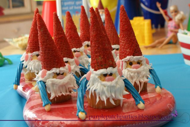 Gnome In Garden: 36 Best Fan Gnomeography Images On Pinterest