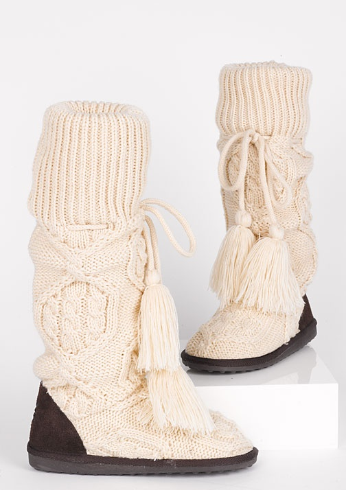 dELiAs > Mukluk Cable Sweater Boot > clearance > boots