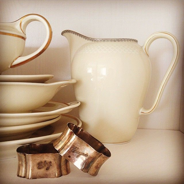 """Treasure of mine <3 #grandparents #old #antique #treasure #porcelain #white #gold #silver #love #pictureoftheday #picoftheday #potd #elsy #eugen #memories…"""