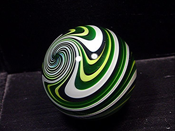 Fritz Lauenstein Contemporary Art Glass Marble 1.54 inch MINT reverse twist cane