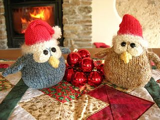 Mini Cordell Owl knitted Christmas decorations - free pattern on Ravelry