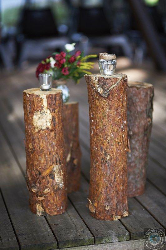 Drewniane pieńki użyte w dekoracji    Wooden stems used in a decoration