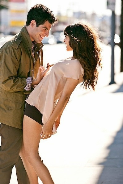 Max Greenfield and Hannah Simone. This photo is amazing. I love it!
