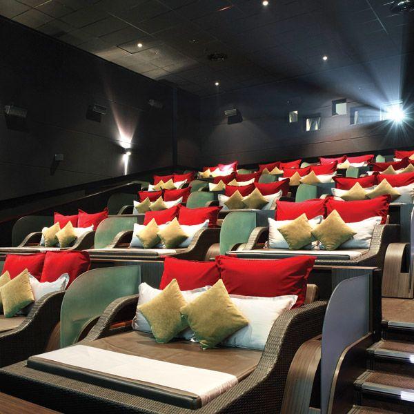 Una selección con 12 de las mejores salas de cine del mundo, lujo, comodidad, servicio primera clase o ambientes al aire libre
