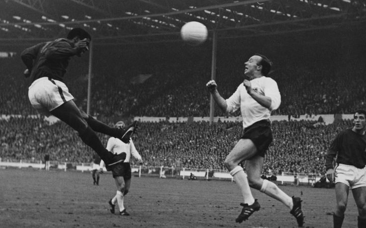 Homens duros do futebol - TOP 20 avaliados e revisados - Telegraph
