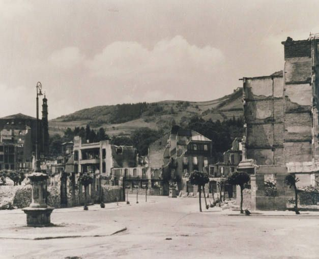 Ruinas de la localidad vizcaína de Guernica, bombardeada por la Legión Cóndor alemana