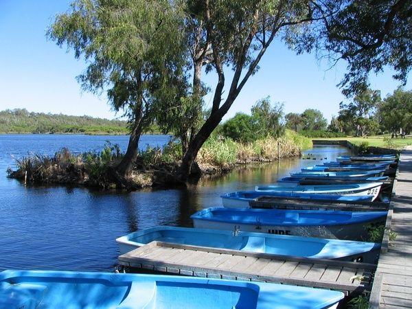 The Blue Lake Perth, looks absolutely wonderful, Perth, Australia. #perth #bluelake