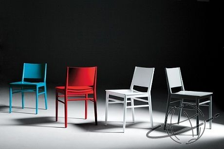Satelliet chairs