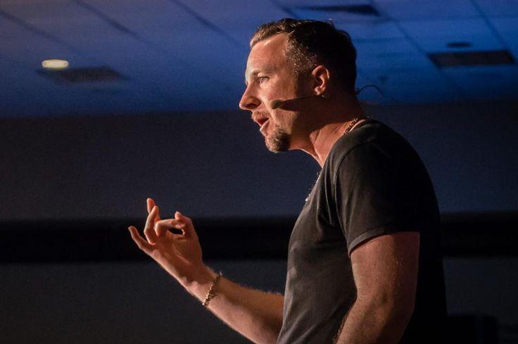 What Is Internet Marketing? Advice From An Eight-Figure Earner http://www.buzzblend.com