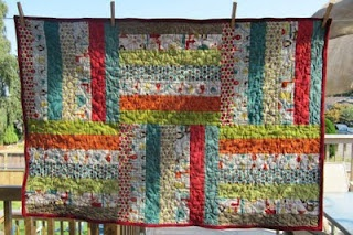 big blocksSimple Quilt, Fast Quilt, Easy Jelly Rolls Quilt, Easy Quilt, Quilt Ideas, Poly Quilt, Rolls Strips, Pretty Easy, Roly Poly
