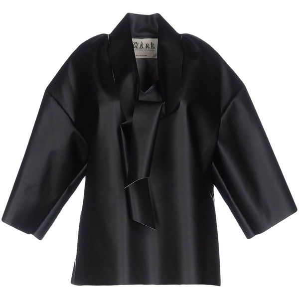 A.w.a.k.e. Blouse (€295) ❤ liked on Polyvore featuring tops, blouses, black, short sleeve tops, pussy bow blouses, bow collar blouse, bow neck blouse and short-sleeve blouse