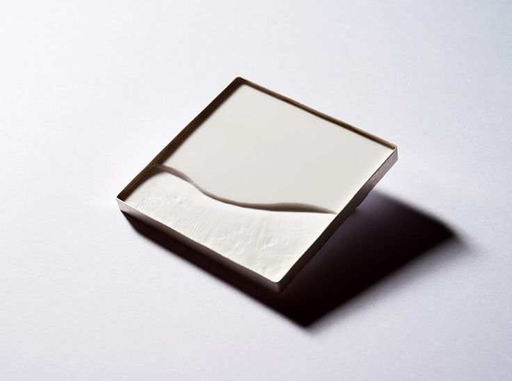 "ANIMAVIENNA  GERTI MACHACEK - BROOCH - ""In The Snow Shadow of Monte Corona"" - Silver 925º, Acrylic Glass, Stainless Steel, 4,8 x 4,83 x 0,9 cm:"