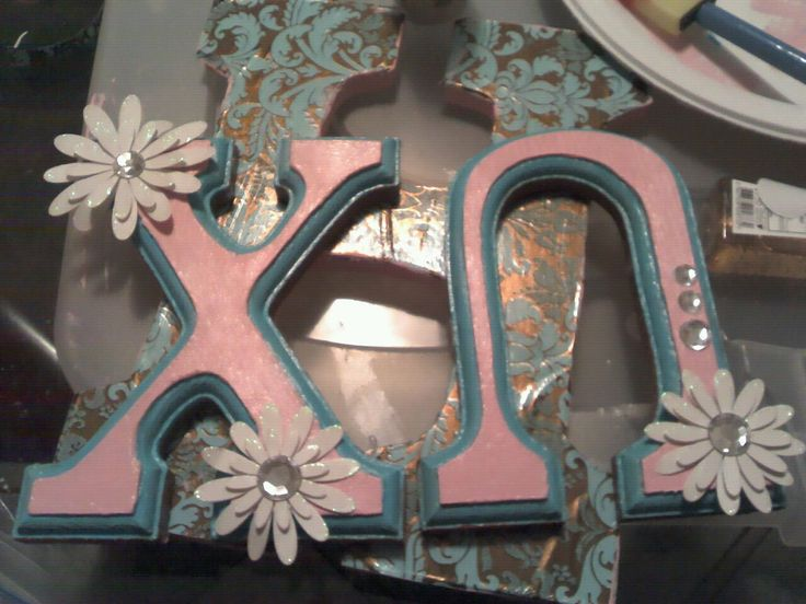 Chi O letters: Decorate Letters, Decorated Letters, Sorority Crafts, Daisy Letters, Chi Omega Letters, Painted Letters, Mark, Craft Ideas, Pretty Letters