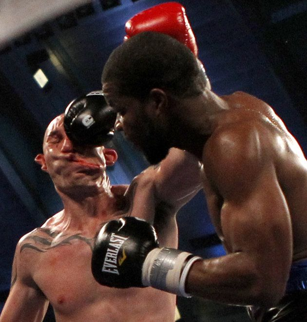 Pain Frozen in Time    Lavam Harvell knockout punch to Tony Pietrantonio: Photos, Face, Boxer, Sports, Boxing, Lavarn Harvell, Sweet Science